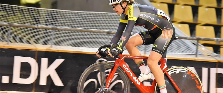 Trine Schmidt imponerer med tredjeplads i Amsterdam