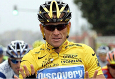Lance Armstrong beskyldes for motordoping